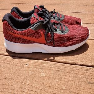 Men's Nike Tanjun SE sz 11
